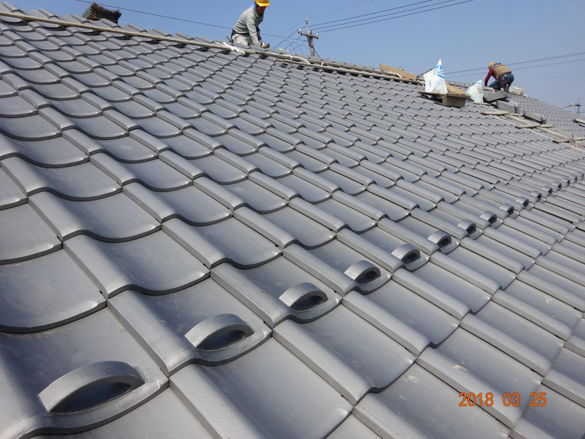 岐阜市で、古民家の屋根工事をしています。
