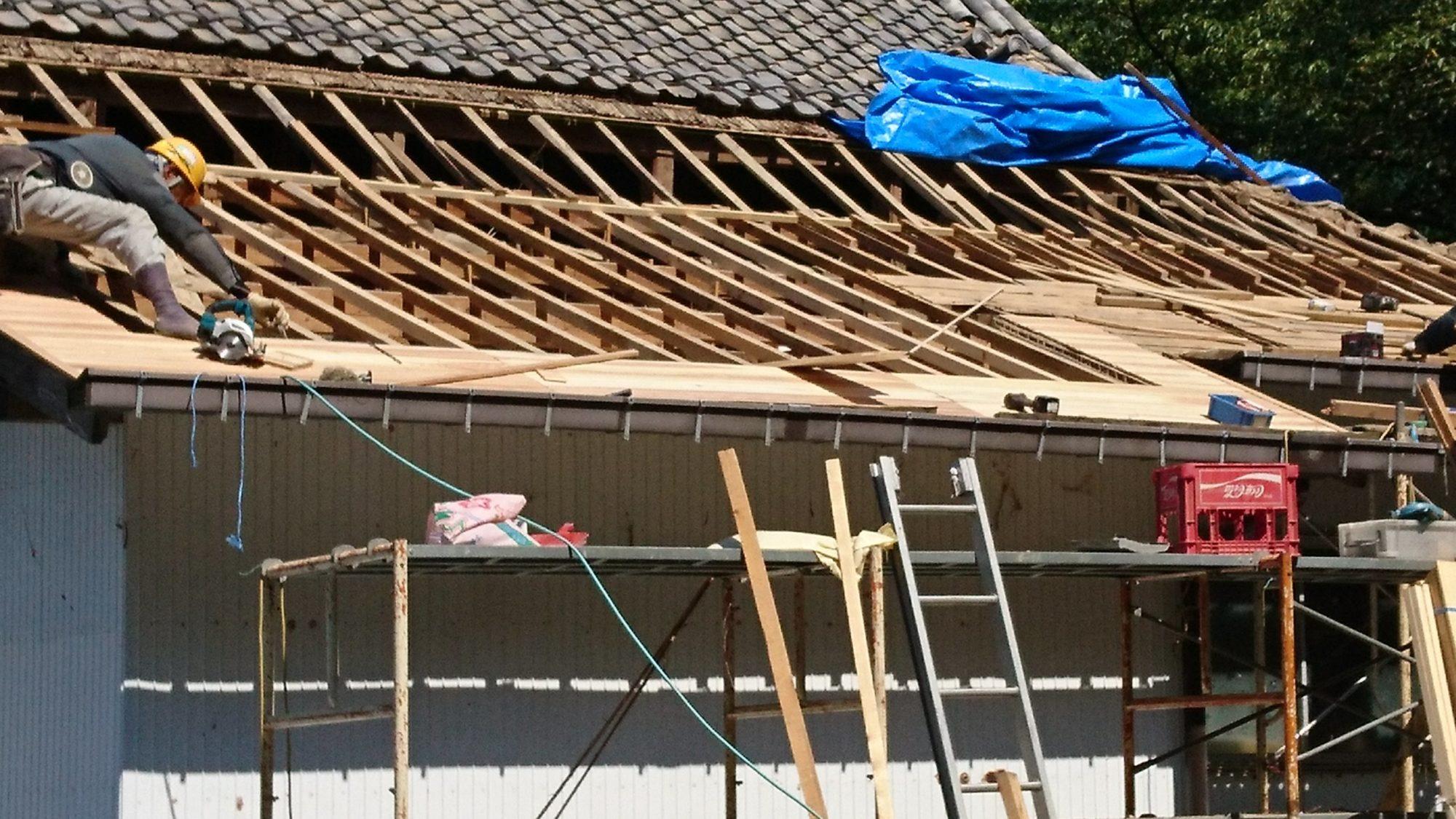 岐阜市でお寺の改修工事をしています。
