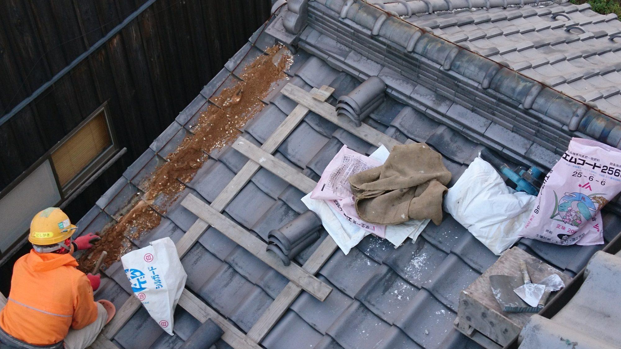 岐阜市で丸瓦の修理をしています。