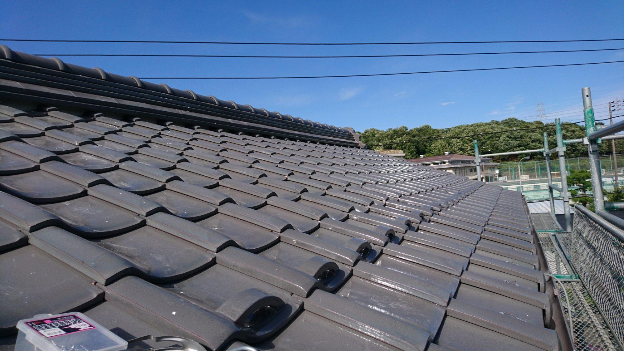 岐阜市で瓦の葺き替え工事をしています。