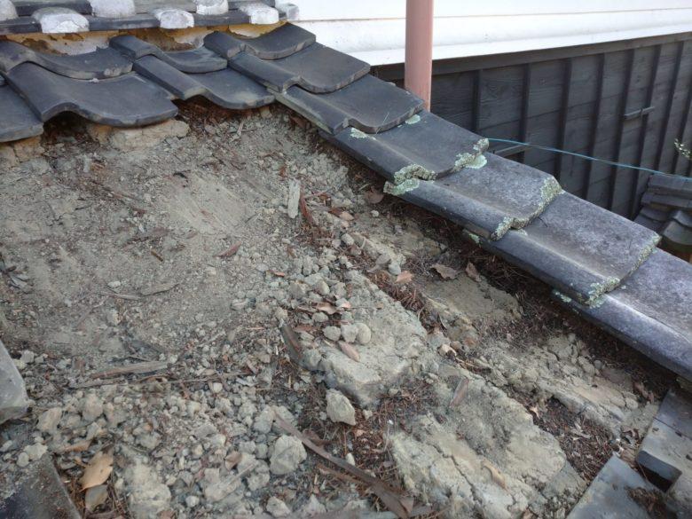 本巣市で、雨漏り修理をしています。