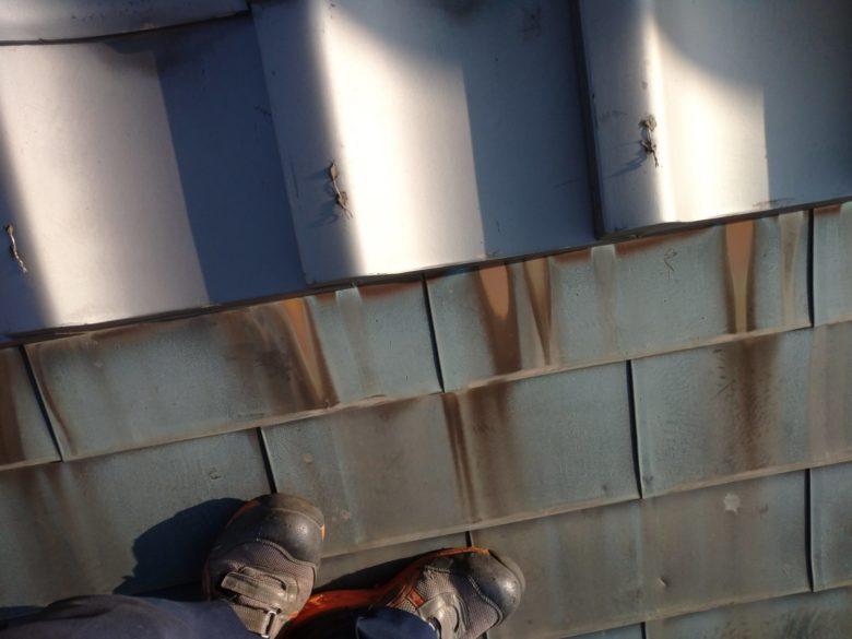 四日市のお寺で、銅板が腐食したので、工事しています。