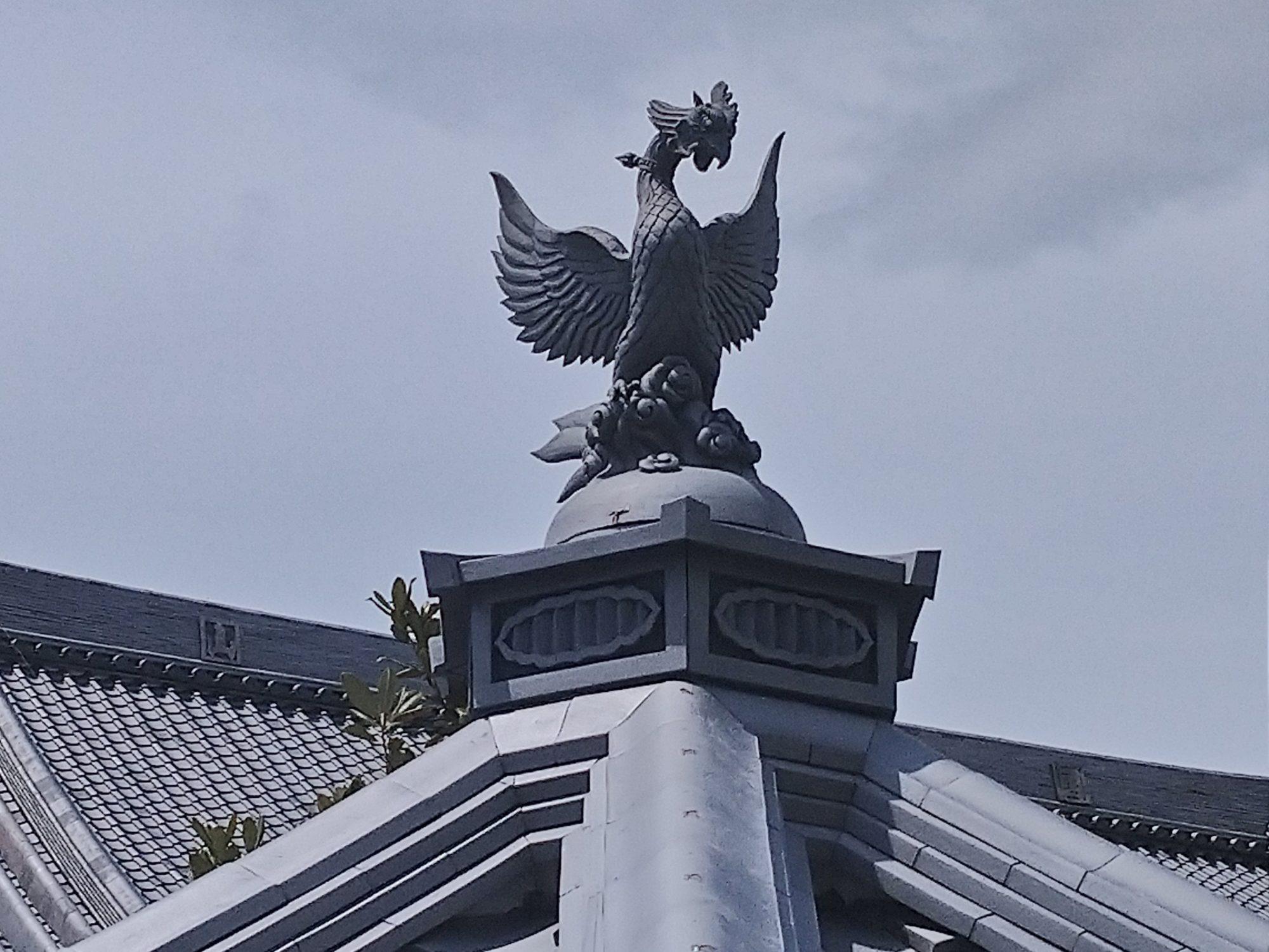 一宮市のお寺で、六角堂の工事をしています。