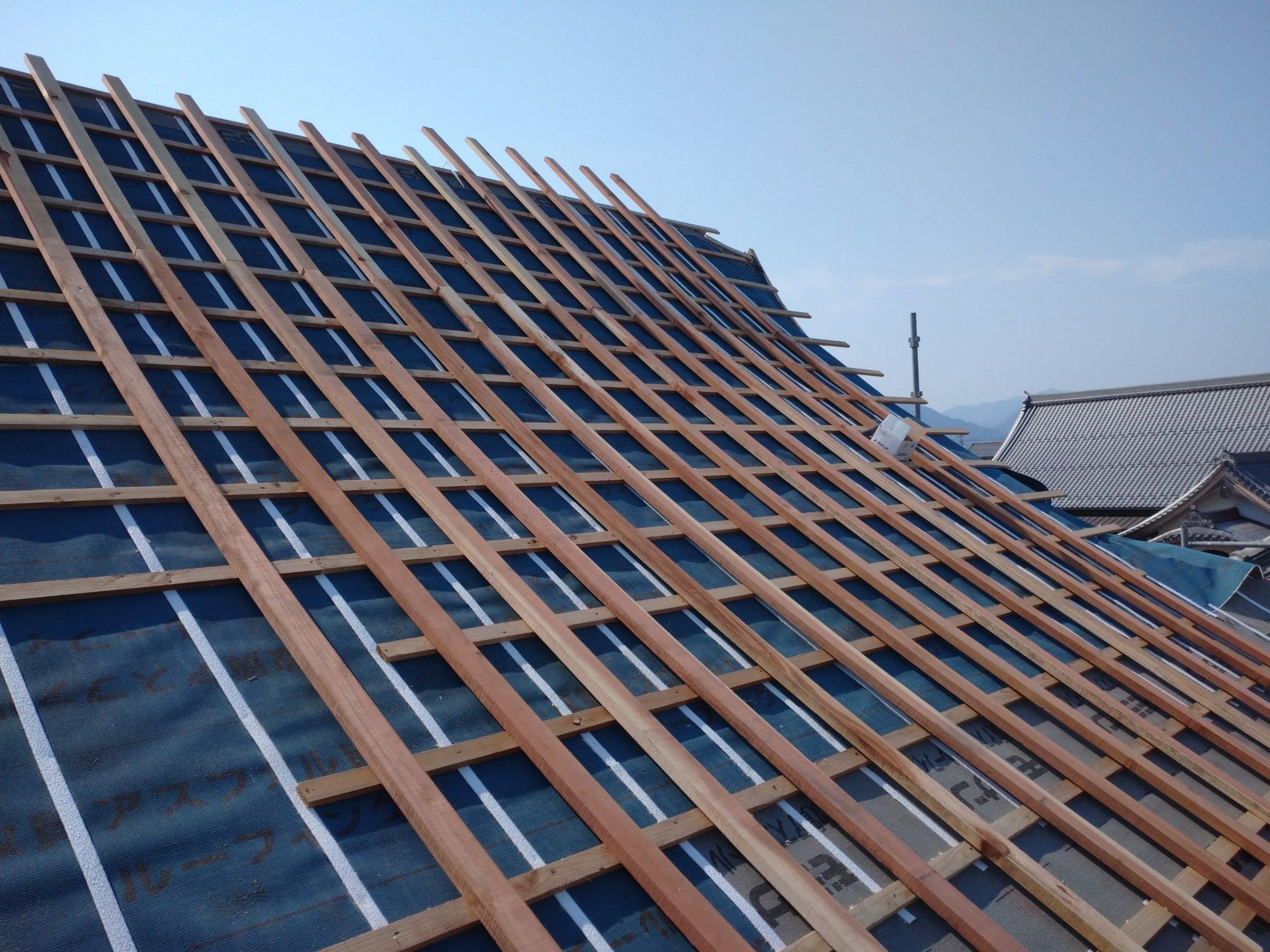 池田町で、お寺の鐘楼の工事をしています。