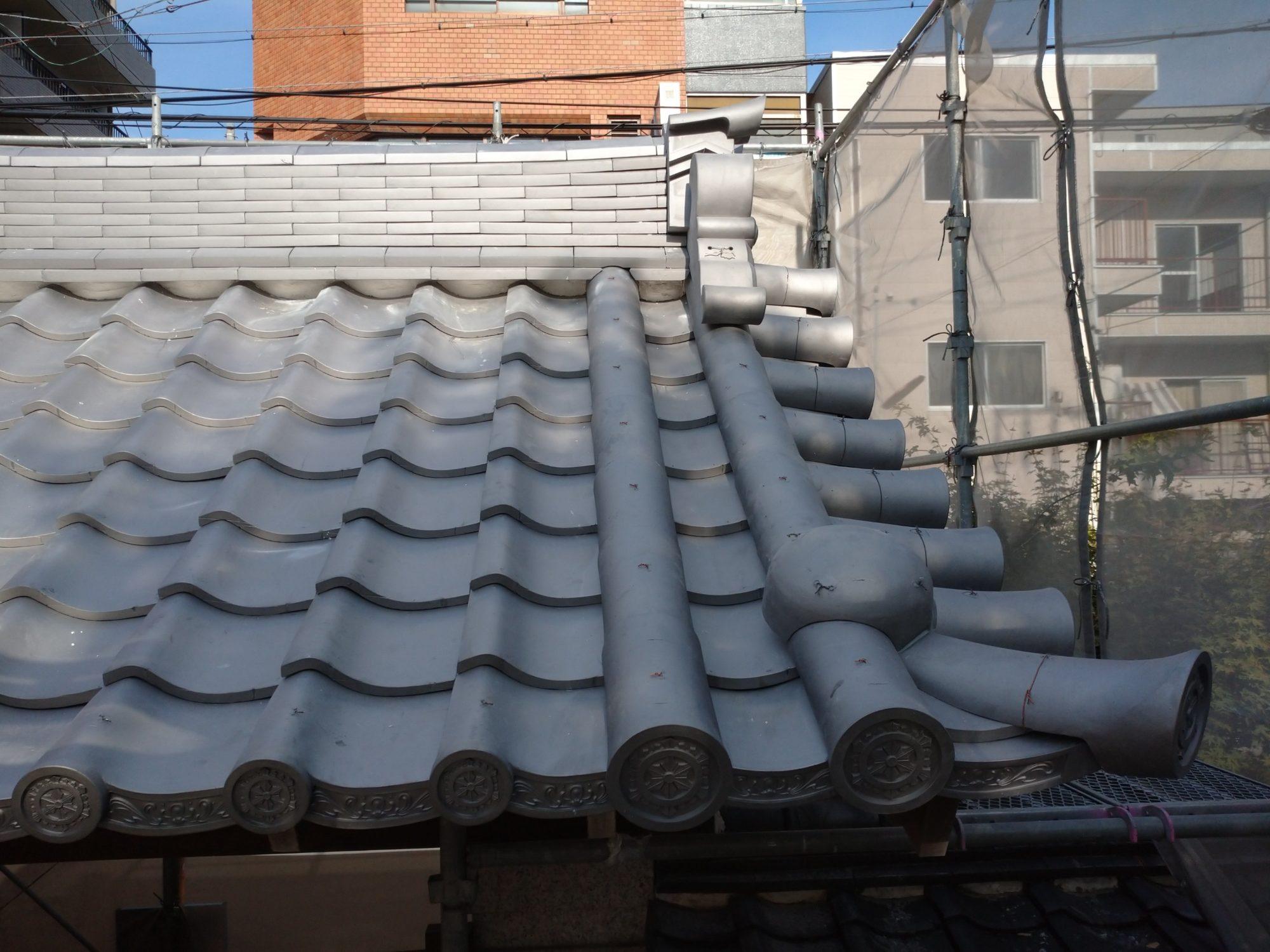 名古屋市で、お寺の山門の工事をしています。