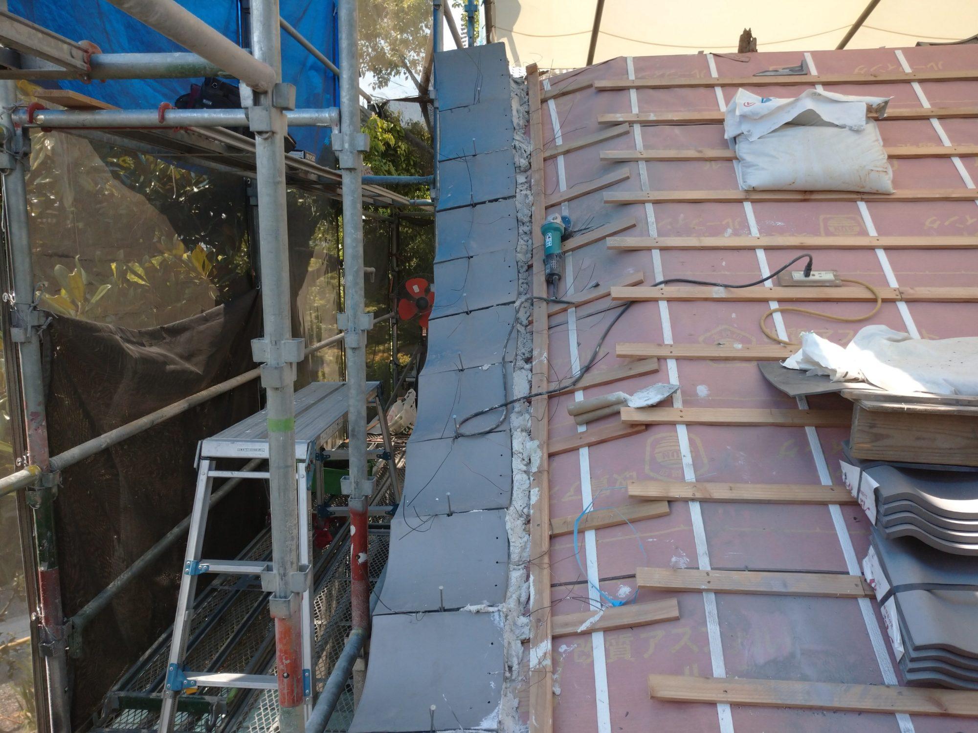 一宮市で、山門改修工事をしています。