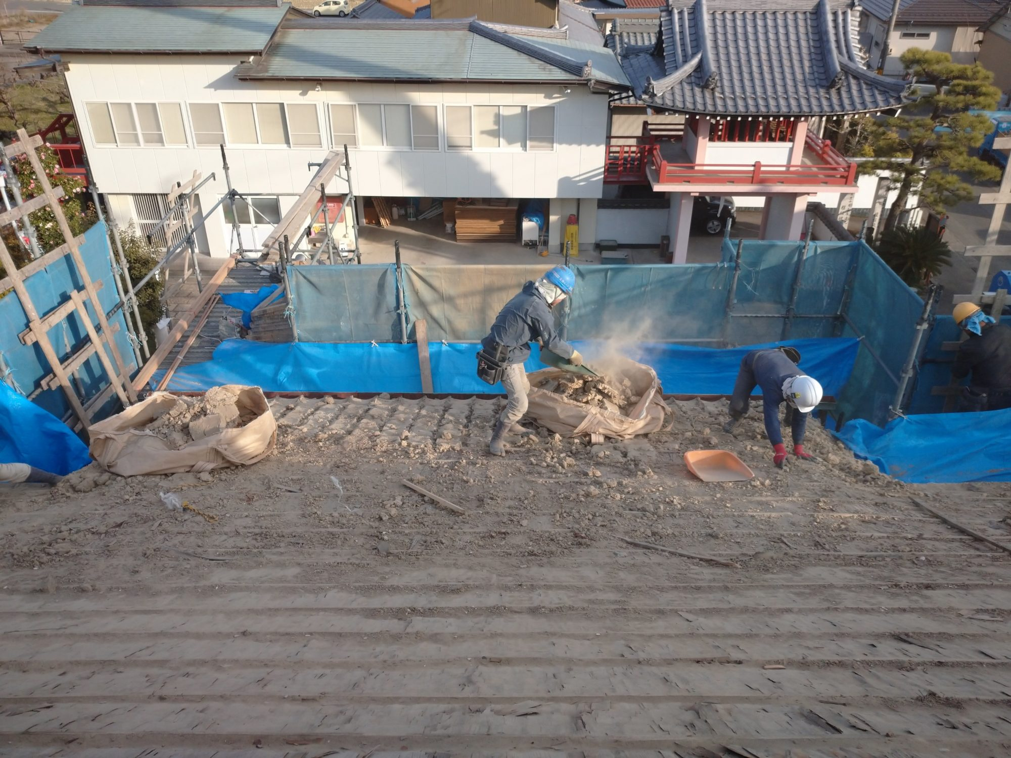 羽島市で本堂の改修工事をしています。
